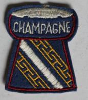 écusson Brodé Ancien En Forme De Bouchon De Champagne - Ecussons Tissu
