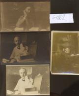 Cartes Postales Photos    Un écrivain Ou Un Fonctionnaire ? - Menus