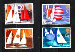 Gran Bretagna   - 1975.  Regate Di Classi Diverse. Regattas Of Different Classes. Complete MNH Series - Vela