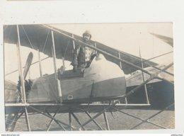 CARTE PHOTO  AVIATEUR AVION COMMENDANT FERNAND JACQUET L AS BElGE 1918 PILOTE AVEC LUNETTES AVION NO 83 CPA - 1914-1918: 1ère Guerre