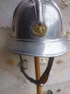 Casque Pompier Yougoslave - Aluminium - Epoque Bloc De L'Est. - Casques & Coiffures