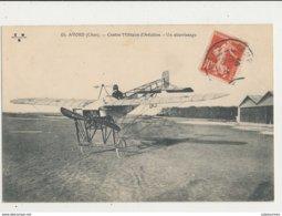 AVORD CENTRE MILITAIRE D AVIATION UN ATTERISSAGE CPA BON ETAT - ....-1914: Précurseurs