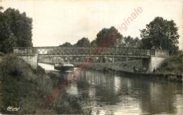 77.  NANTEUIL LES MEAUX .  Le Canal . - Frankreich