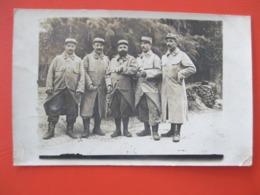 Carte Photo En Gros Plan De 5 POILUS Du 298 Eme D'infanterie 21 è Cie - SOISSONS 19 Juin 1905 - War 1914-18