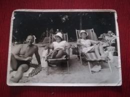 VACANCES PLAGE MER MAILLOTS FAMILLE COUPLE LOT 22 PHOTOS ORIGINALES DE 2 COUPLES DIFFÉRENTS DE BELGIQUE - Personnes Anonymes