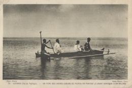 Océanie - Missions - Prêtre En Barque Pour Voir Un Malade - Postcards
