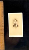 Photographie CDV : Homme C.1865-70  / Atelier Photographe Des Enfants De France SAINT EDME 50 Rue Fabert PARIS - Anonyme Personen