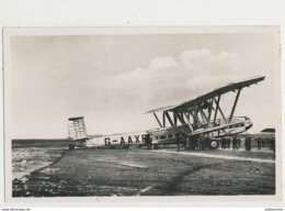 ISTRES AVIATION AVION HANDLEY PLAGE L HELENA  CPA BON ETAT - Aérodromes