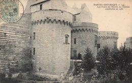 Dep 44 , Cpa NANTES Historique , 144 , Les Tours De L'entrée Du Chateau Construites En 1480  (2621) - Nantes