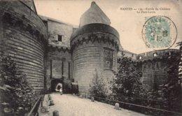 Dep 44 , Cpa NANTES  , 139 , Entrée Du Chateau , Le Pont Levis (2623) - Nantes