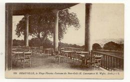 14 – DEAUVILLE : La Plage Fleurie. Terrasse Du New Golf N° 231 - Deauville