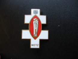 Broche De L'église De Notre Dame De Metz - Religión & Esoterismo