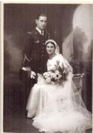 MARIAGE D'UN MILITAIRE GRADE ET MARIEE EN BLANC LONG VOILE  PH. CASTANIE-AURILLAC - War, Military