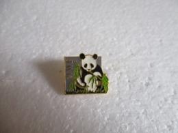 Pins Animalier WWF Panda. - Animals