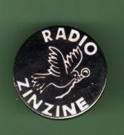 RADIO ZINZINE *** 1054 (80-2) - Médias