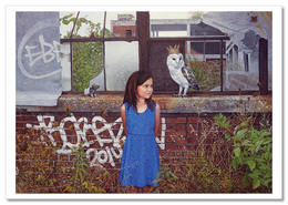 LITTLE GIRL With King OWL & Rat Abandoned Building New Unposted Postcard - Non Classés