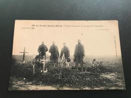 330 - La Grande Guerre 1914 - 15 Tombes Françaises Sur La Route De VARREDDES - Guerre 1914-18