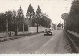 AILLANT Sur THOLON - CPSM : Entrée Du Pays, Route D'Auxerre - Voiture Traction - Aillant Sur Tholon
