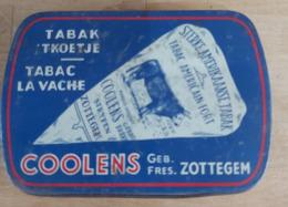 Belle Boite A Tabac Pub La Vache (Coolens Fres Zottegem) - Boîtes