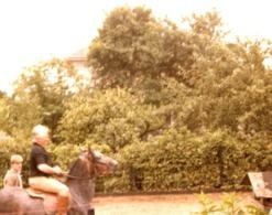 Foto Von Sanner Rosa - München Trudering Beim Reiten 1979 - Fotografie