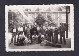 Photo Originale Groupe D' Ouvriers En Greve Usine Greviste ( Archives Bourreau Sermaize Les Bains ) - Métiers