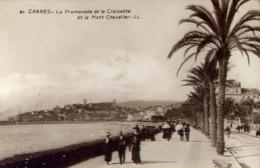Cannes - La Promenade De La Croisette Et Le Mont Chevalier - Formato Piccolo Viaggiata Mancante Di Affrancatura – E 13 - Cartoline
