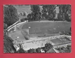 CPSM  EPERNON 28.La Piscine Et Le Stade Municipale. - Epernon