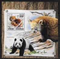 CENTRAFRIQUE  BF 1046  * *  ( Cote 16e )  Panda Ours - Orsi