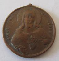 Médaille Religieuse Ancienne En Cuivre : Sacré Coeur De Jésus / Voilà Ce Coeur Qui A Tant Aimée Les Hommes - France