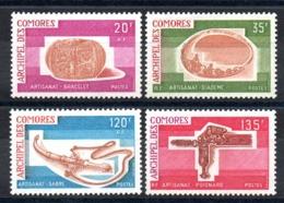 COMORES - YT N° 97 à 100 - Neufs ** - MNH - Cote: 17,00 € - Neufs
