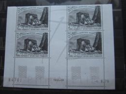 VEND BEAUX TIMBRES DE POSTE AERIENNE DES T.A.A.F. N° 59 EN BLOC DE 4 COIN DATE , XX !!! - Airmail