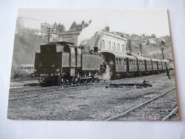 CHATEAU-CHINON (58) : LOCO 242 TC 22 En Gare Avec Un Train Spécial En 1967 - Trenes