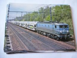 CESSON (77) : LOCO CC 7141 En Tête D'un Train Complet D'automobiles En 1979 - Trains