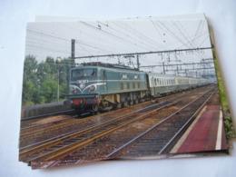 MAISONS-ALFORT - VERT-DE-MAISONS (94) : LOCO 2D2 9121 En Tête D'un Train Voyageurs En 1979 - Trains