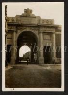 Photo Ancien / Original / Ieper / Ypres / 1931 / 2 Scans / Photo Size: 6 X 8.50 Cm. / Menenpoort / Menin Gate - Lieux