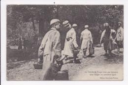 CP MILITARIA La Corvée De Soupe N'est Pas Toujours Sans Danger - Guerra 1914-18