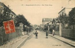VAL D'OISE  ARGENTEUIL  Rue Victor Hugo - Argenteuil