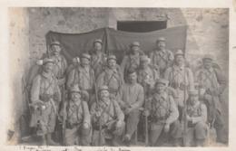 CARTE PHOTO:MILITAIRES ARMES QUIERS (77)..ÉCRITE - Autres Communes