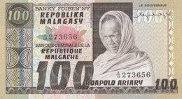 BILLET-BANQUE BANKY  FOIBEN'NY  REPUBLIQUE MALGACHE  100 - Madagaskar