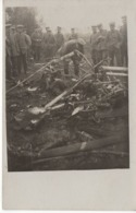 No. 14 - Foto-Ak  Vom Frankreich -feldzug Feldzug Blitzkrieg 1939-40 2. WK - Inspektion Abgeschossenenes Flugzeug Ballon - Fotografie