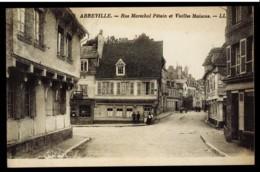 CPA 80 ABBEVILLE N°112 RUE MARECHAL PETAIN ET VIIEILLES MAISONS LL ANIMEE LEVY ET NEURDEIN REUNIS PARIS IMP - Abbeville