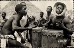 Cp Oubangui Chari, Tam Tam, Afrikaner Mit Trommeln - Trachten