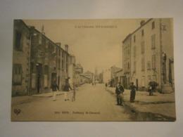 L'Auvergne Pittoresque Riom Faubourg De Clermont,garde Champêtre,Puy De Dôme 63,non écrite Environ 1908,très Bel état - Riom
