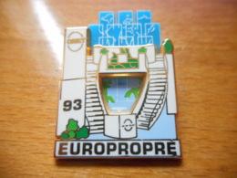 A046 -- Pin's Arthus Bertrand Onet 93 Europropre - Arthus Bertrand