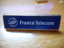 A046 -- Pin's Arthus Bertrand France Telecom - Arthus Bertrand