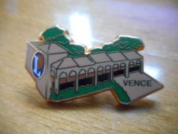 A046 -- Pin's Arthus Bertrand Leclerc Vence - Arthus Bertrand