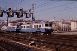 Photo Diapo Diapositive Slide Train Wagon Automotrice SNCF Z 7122 Le 10/02/1998 VOIR ZOOM - Diapositives