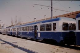 Photo Diapo Diapositive Slide Train Wagon Remorque Autorail SNCF ZR à Dijon Le 13/02/1998 VOIR ZOOM - Diapositives