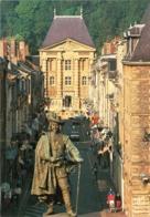 CPM 08 (Ardennes) Charleville-Mézières - Statue De Charles De Gonzagues Place Ducale, Au Fond Le Musée RIMBAUD TBE - Charleville