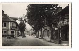 73 Albens Place De La Gare CPSM PF Carte Ecrite En 1947 Hotel De La Gare Café Restaurant Vieille Auto Automobile - Albens